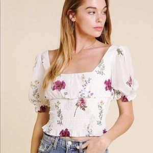 Tops - Puff sleeve floral top
